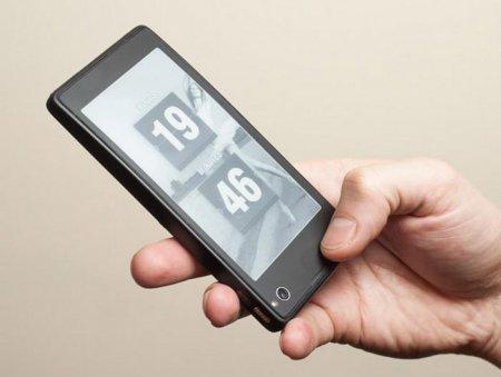 YotaPhone – первый смартфон с двумя экранами