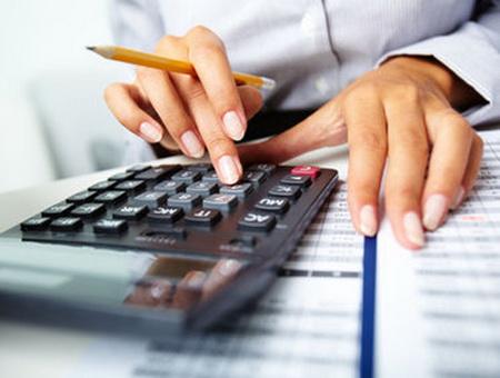 Бухгалтерская фирма или бухгалтер на окладе?